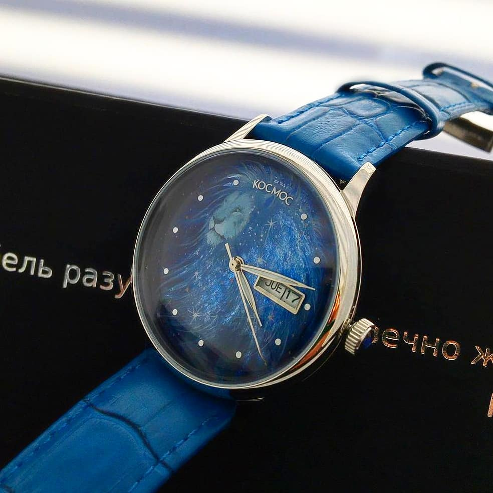 The beauty of the Leo constellation, hand-painted on the dial of the unique Russian Cosmos watch, is another reason to abandon daily problems and dream.